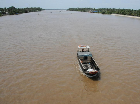 Rescuers find 17 people on a capsized boat in Xishuangbanna, SW China