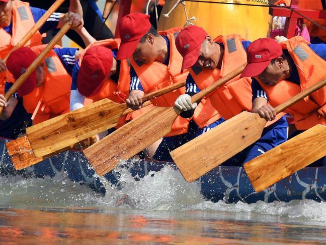20th Ankang dragon boat racing held in Shaanxi to celebrate Dragon Boat Festival