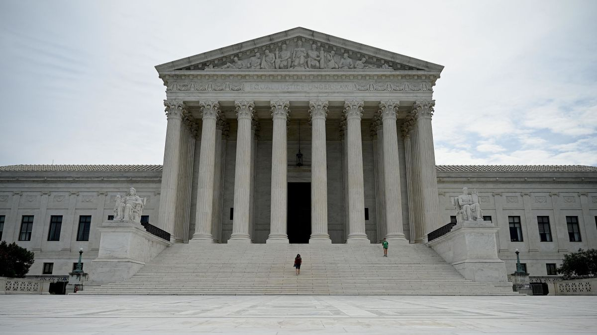Trump administration asks Supreme Court to invalidate ObamaCare