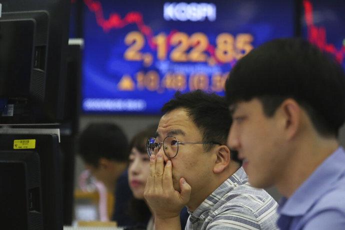 Asian stocks follow Wall Street higher on bank news