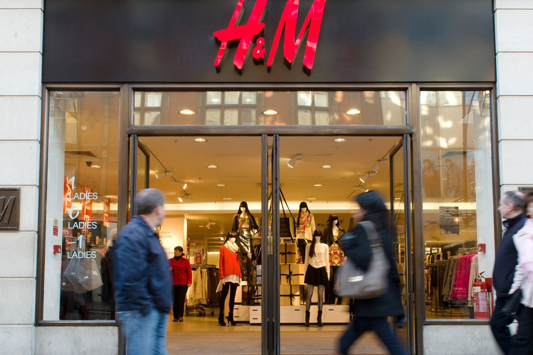 H&M slumps into red as virus hits sales