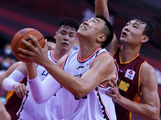 Zhejiang tops Liaoning 101-90 in CBA