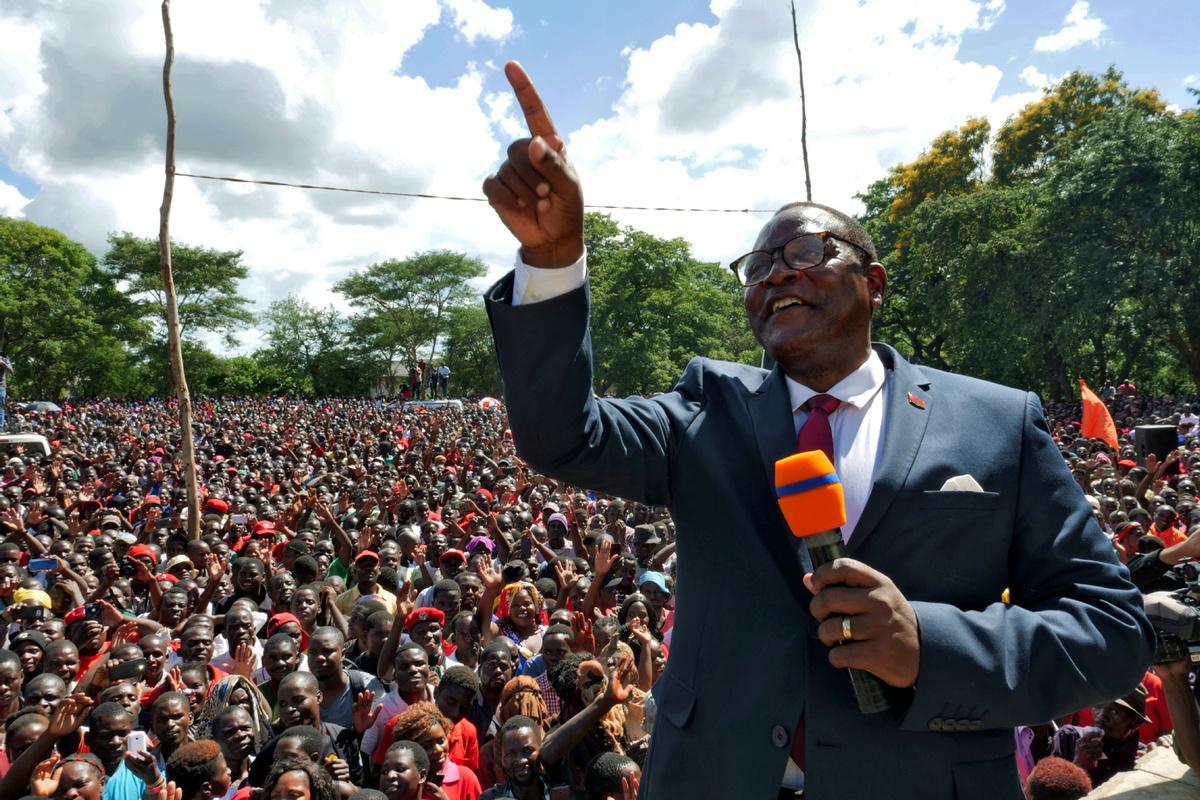 Malawi's new president sworn in, pledges better Malawi for all