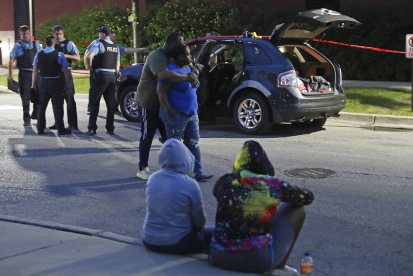 Weekend shootings across Chicago kill at least 10, including 3 kids