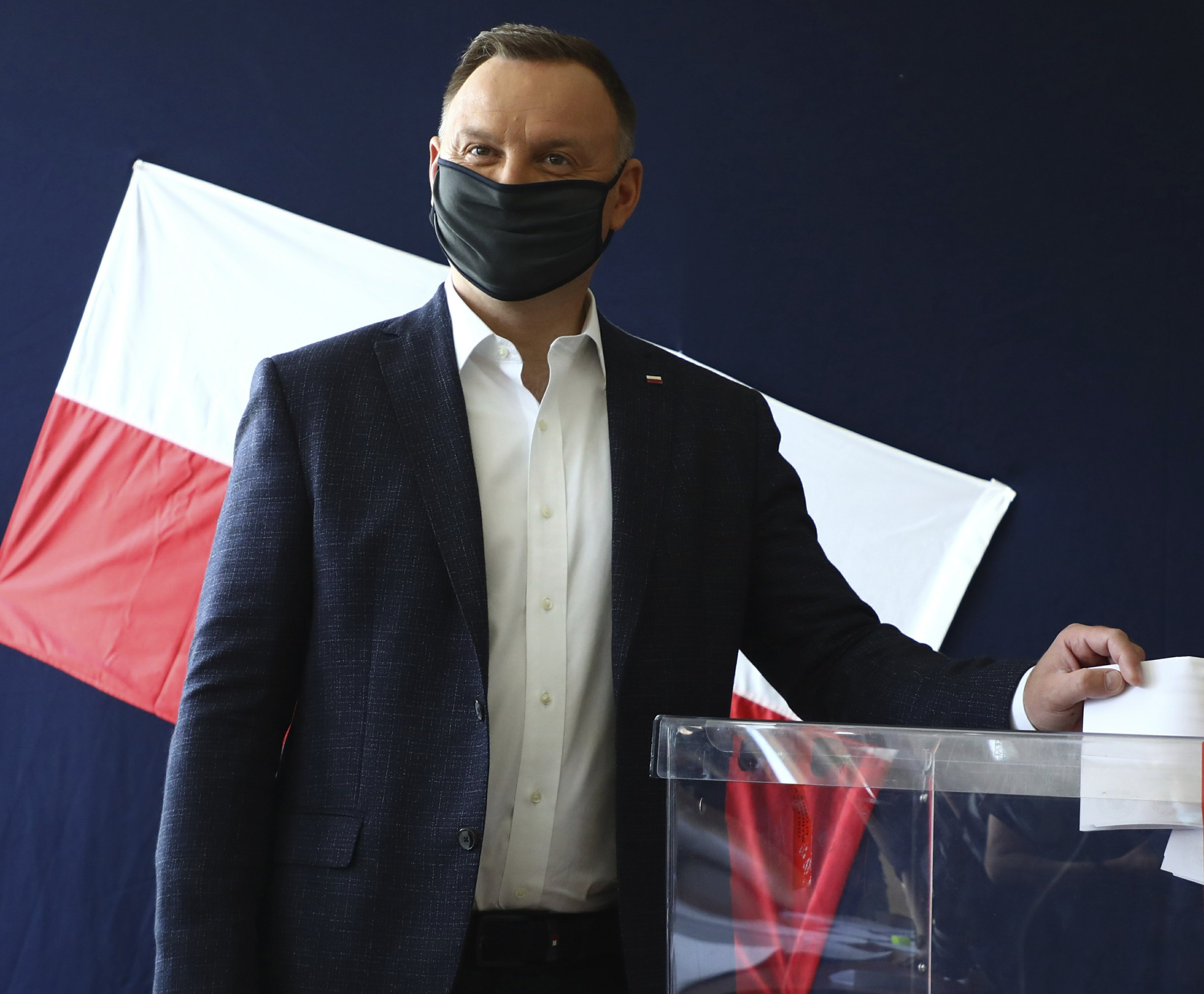 Exit poll: Polish presidential vote headed for runoff