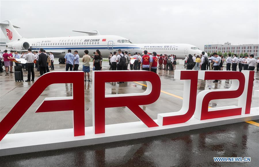China's ARJ21 aircraft delivered to major domestic airlines