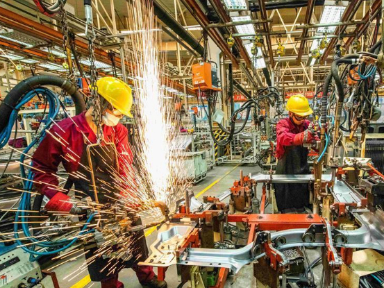 China's manufacturing PMI picks up in June