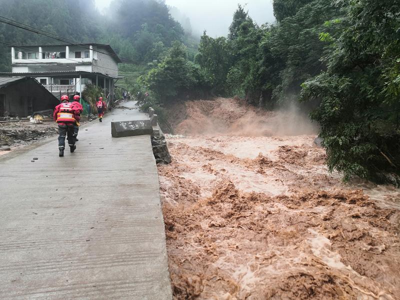 China renews blue alert for rainstorms