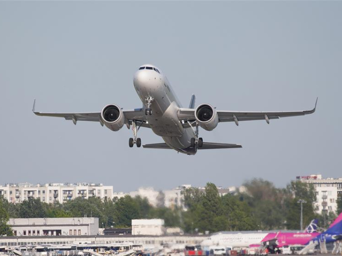 Poland resumes flights to 8 non-EU countries