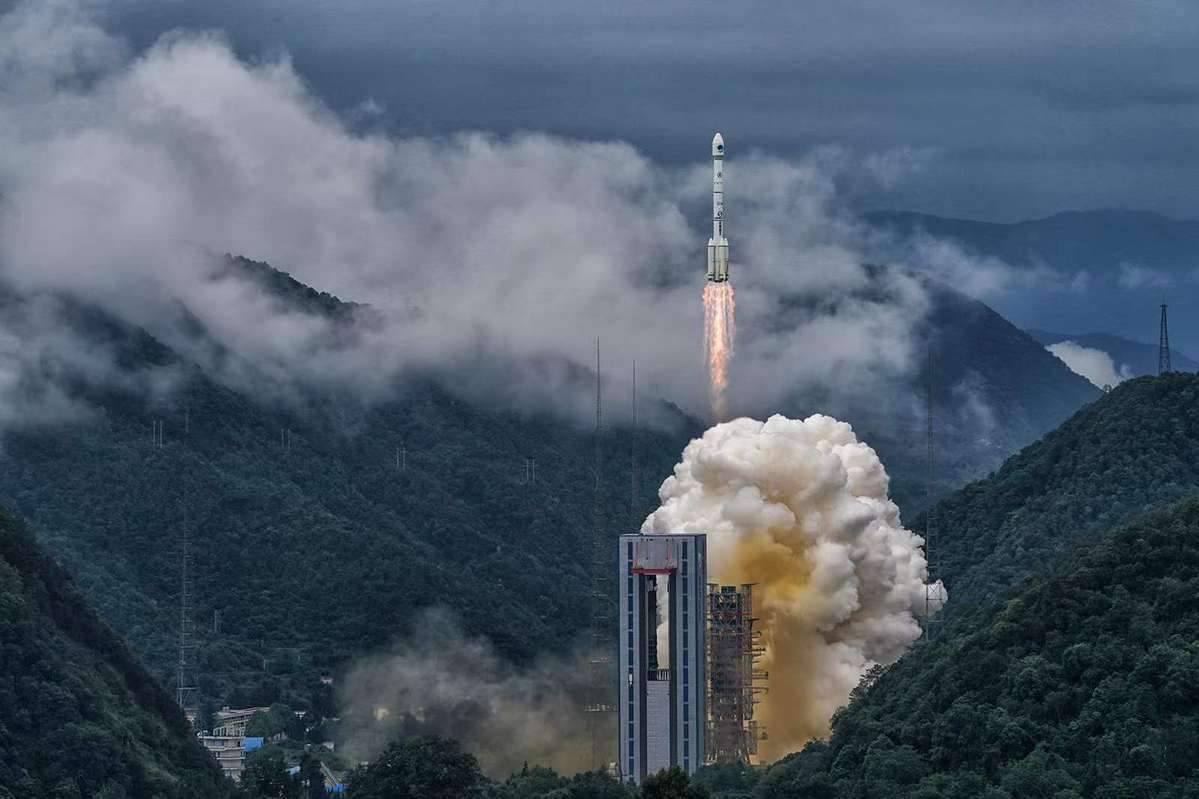 Beidou's last navigation satellite arrives in orbit 36,000 km above Earth