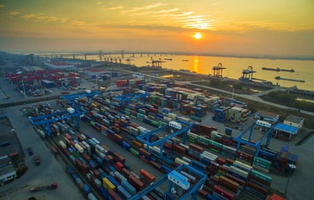 China goods, services trade surplus tops 420 bln yuan