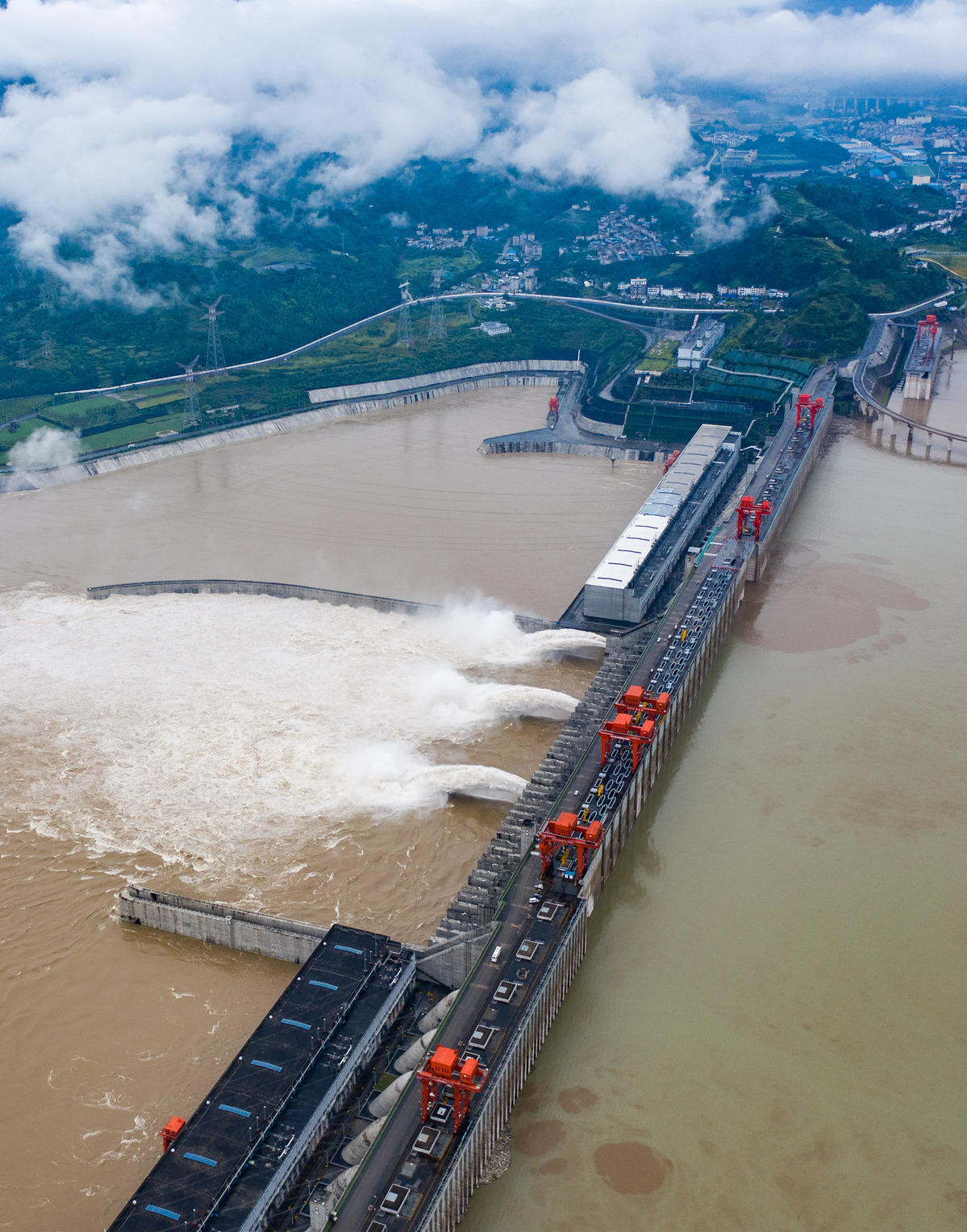 Heavy rain to continue in South China