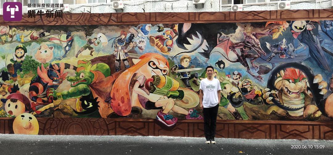 Hearing impaired muralists connect to the world through art