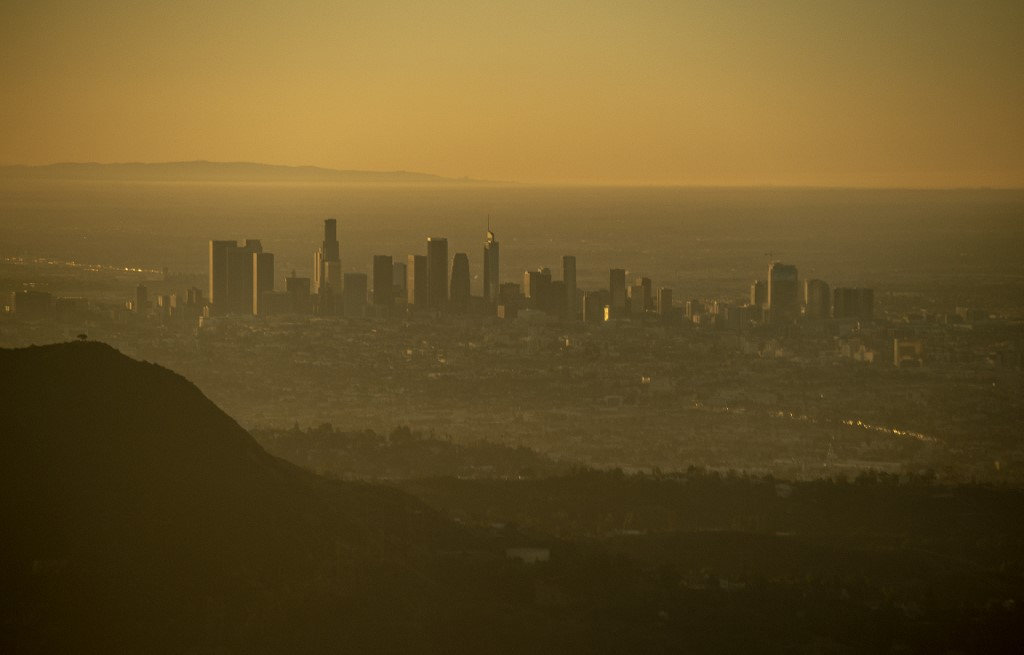Wildfire near Los Angeles in US prompts freeway closure, evacuations