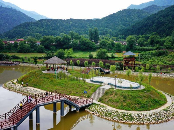 Rural tourism helps locals get rid of poverty in Shaanxi