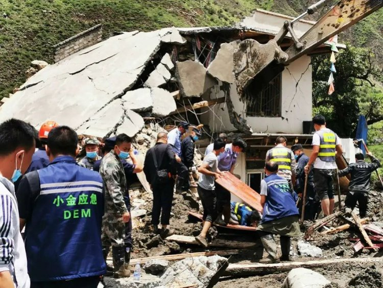 Landslide leaves three dead in China's Sichuan