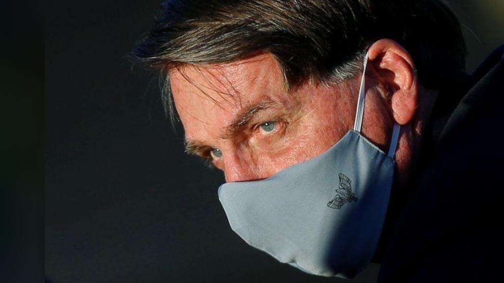 Brazilian president takes new COVID-19 test