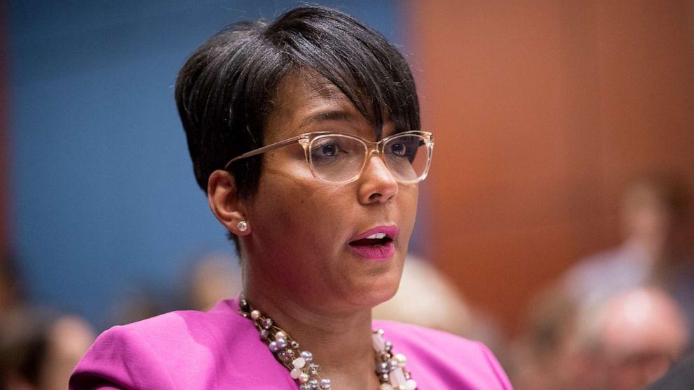 US Atlanta mayor tests positive for coronavirus