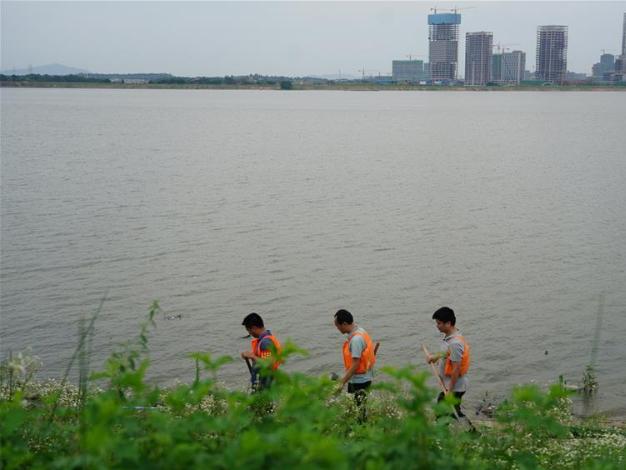 China raises flooding response level to third highest