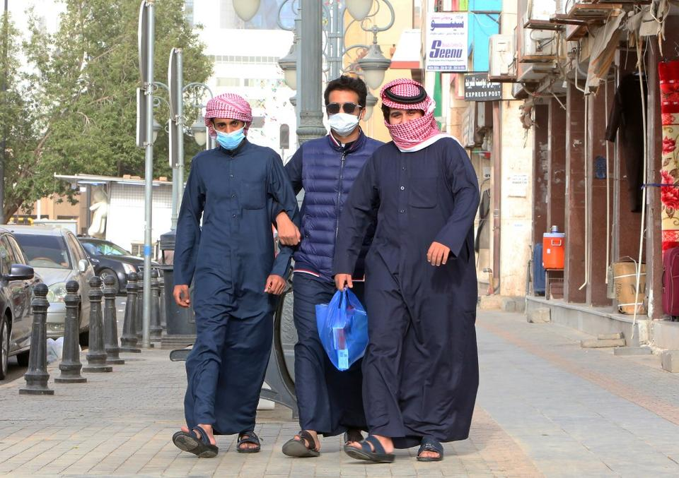 Kuwait reports 762 new COVID-19 cases, 52,007 in total