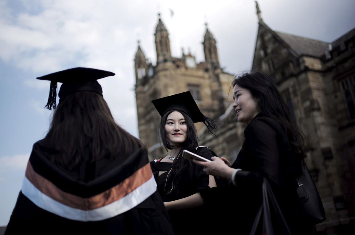 Australian businesses and educationists welcome Chinese tourists and students