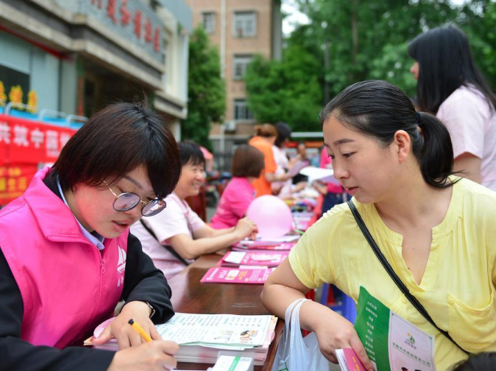 China's household services sector resumption gains pace: ministry
