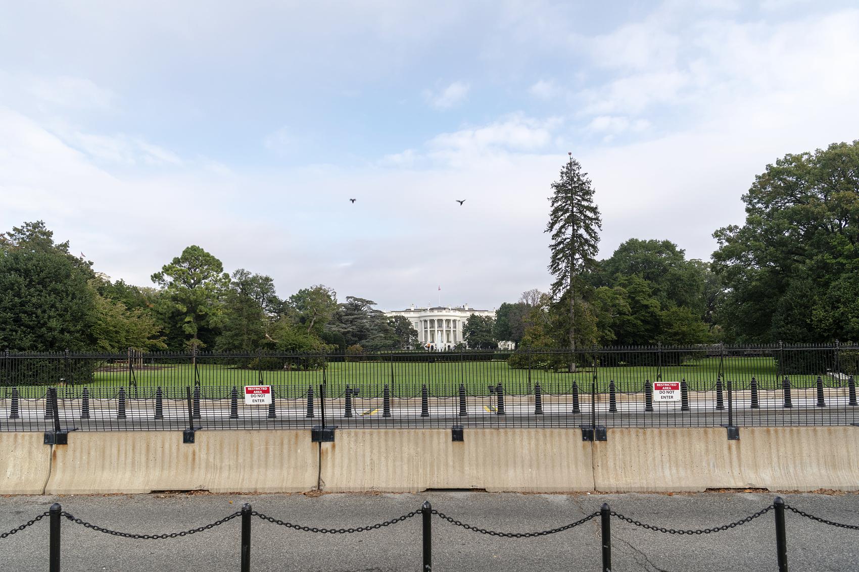 Reporter attending White House briefings tests positive for coronavirus