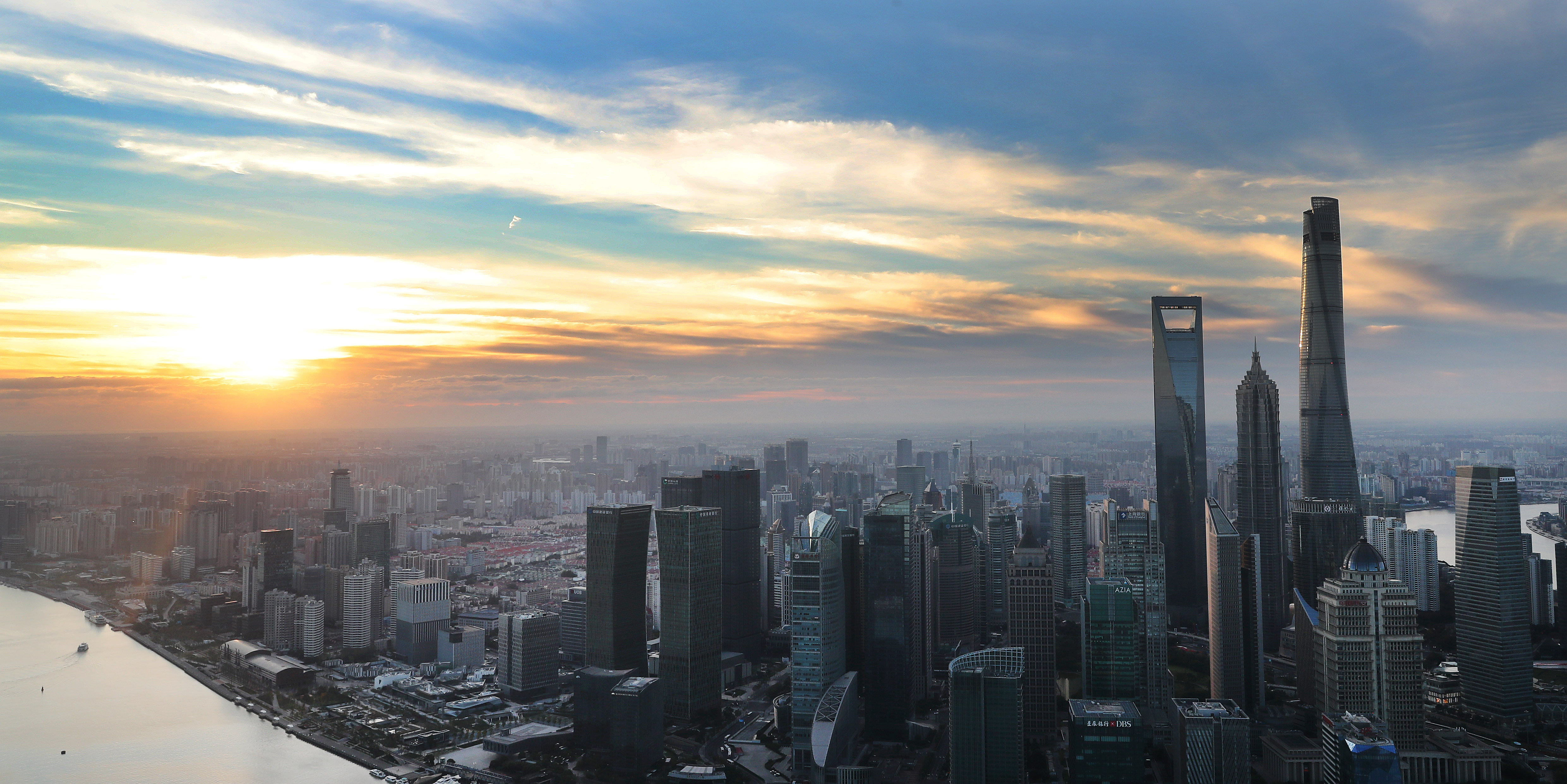 Multinationals favor China as world economy begins to revive