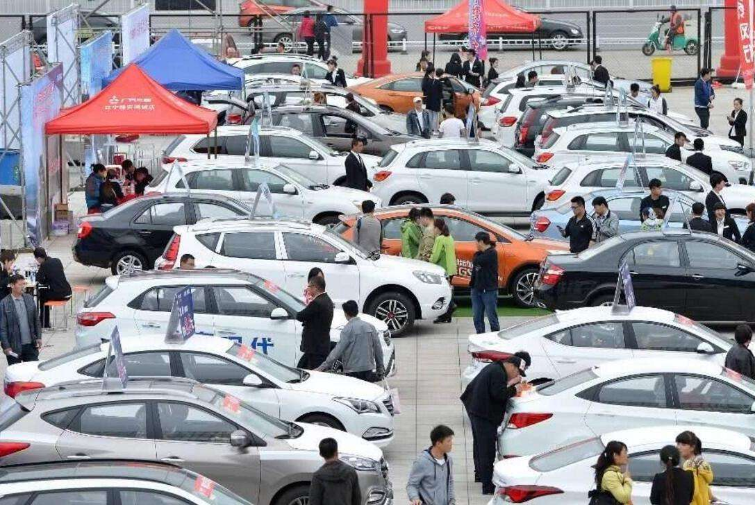China's commercial vehicle sales expand in June