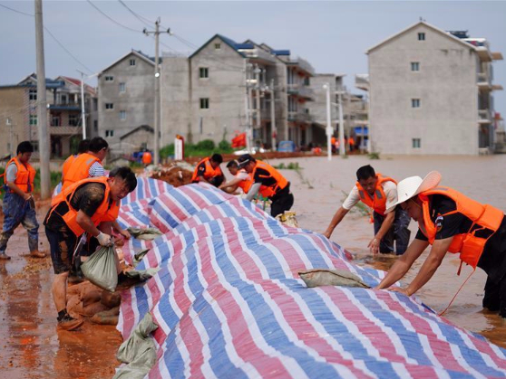 China's Jiangxi raises flood response to highest level