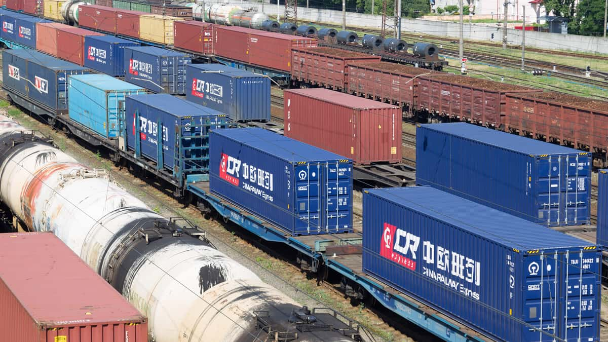 China's rail freight transport up 3.6 pct in H1