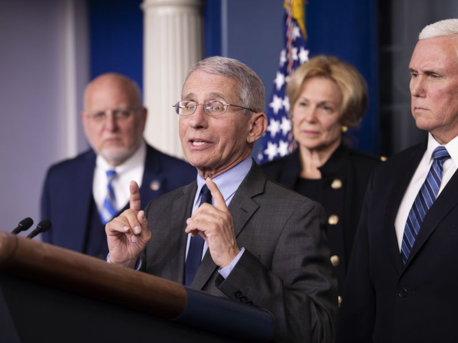 White House 'seeking to discredit' Fauci despite surging COVID-19 cases