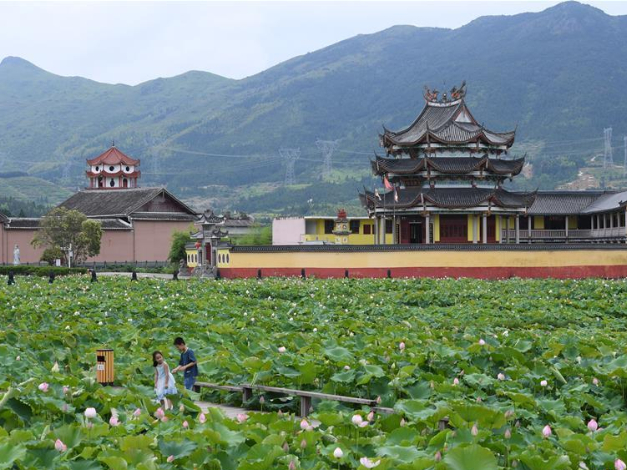 China lists 680 villages to promote rural tourism