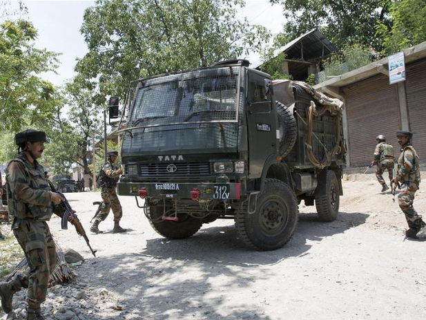 5 killed in gunfights with government forces in Indian-controlled Kashmir