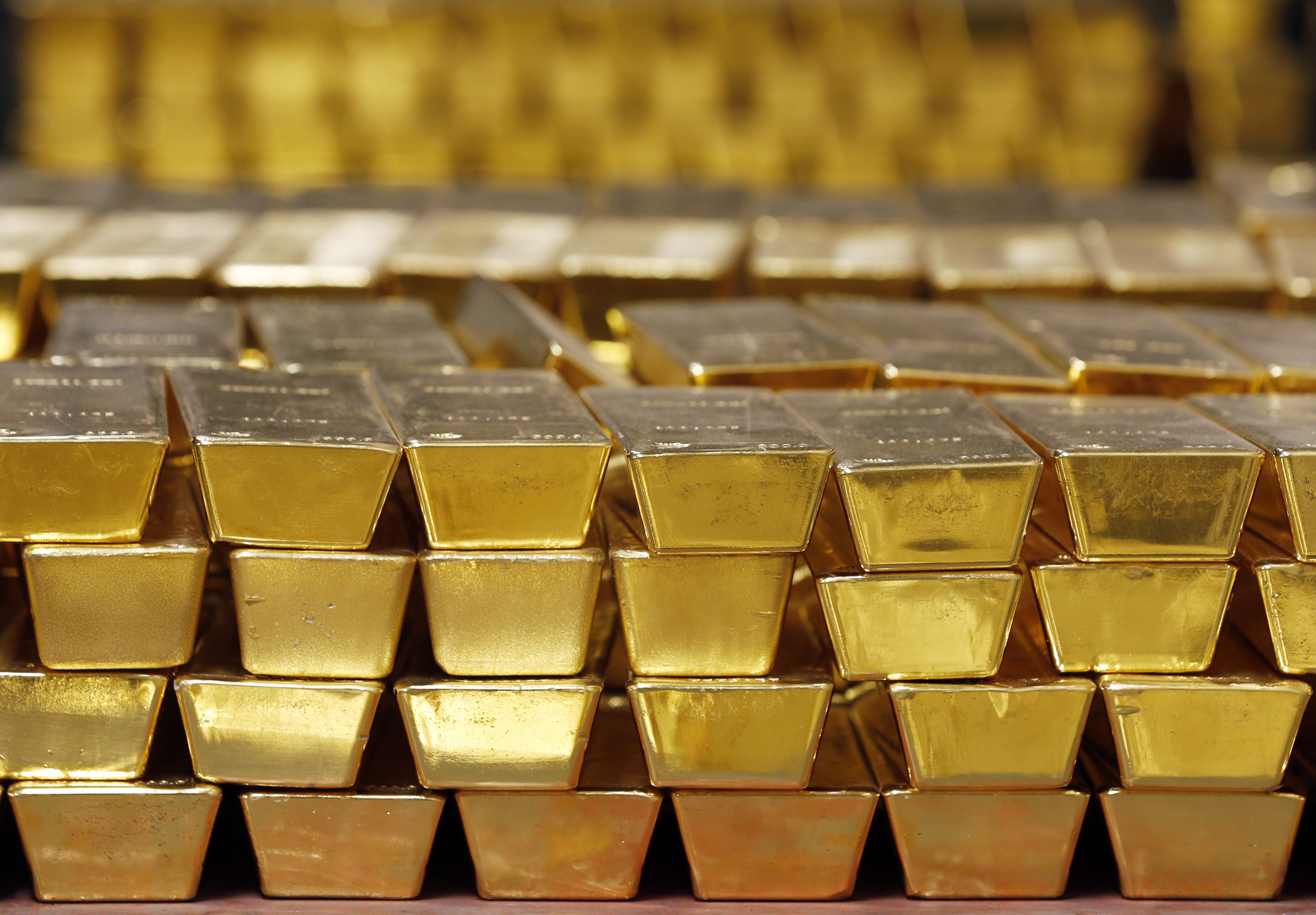 Gold reserves can help alleviate financial crisis in Lebanon: analysts