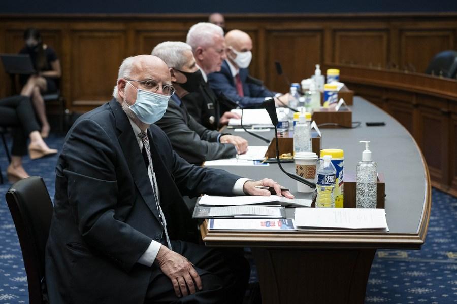 U.S. politicians' undermining of CDC 'unconscionable and dangerous,' former CDC directors say