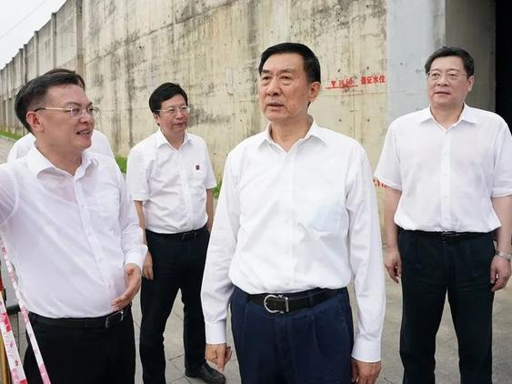 State councilor inspects flood control in Hubei, Hunan