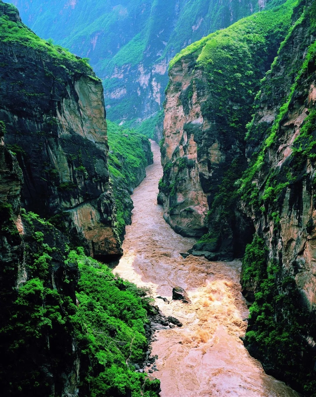 Tiger Leaping Gorge a roaring sight after rain
