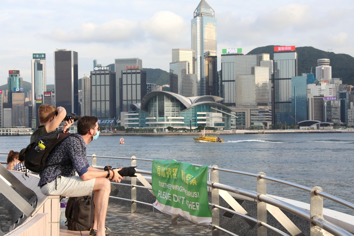 HK imposes conditions on coming travelers from high-risk areas of COVID-19