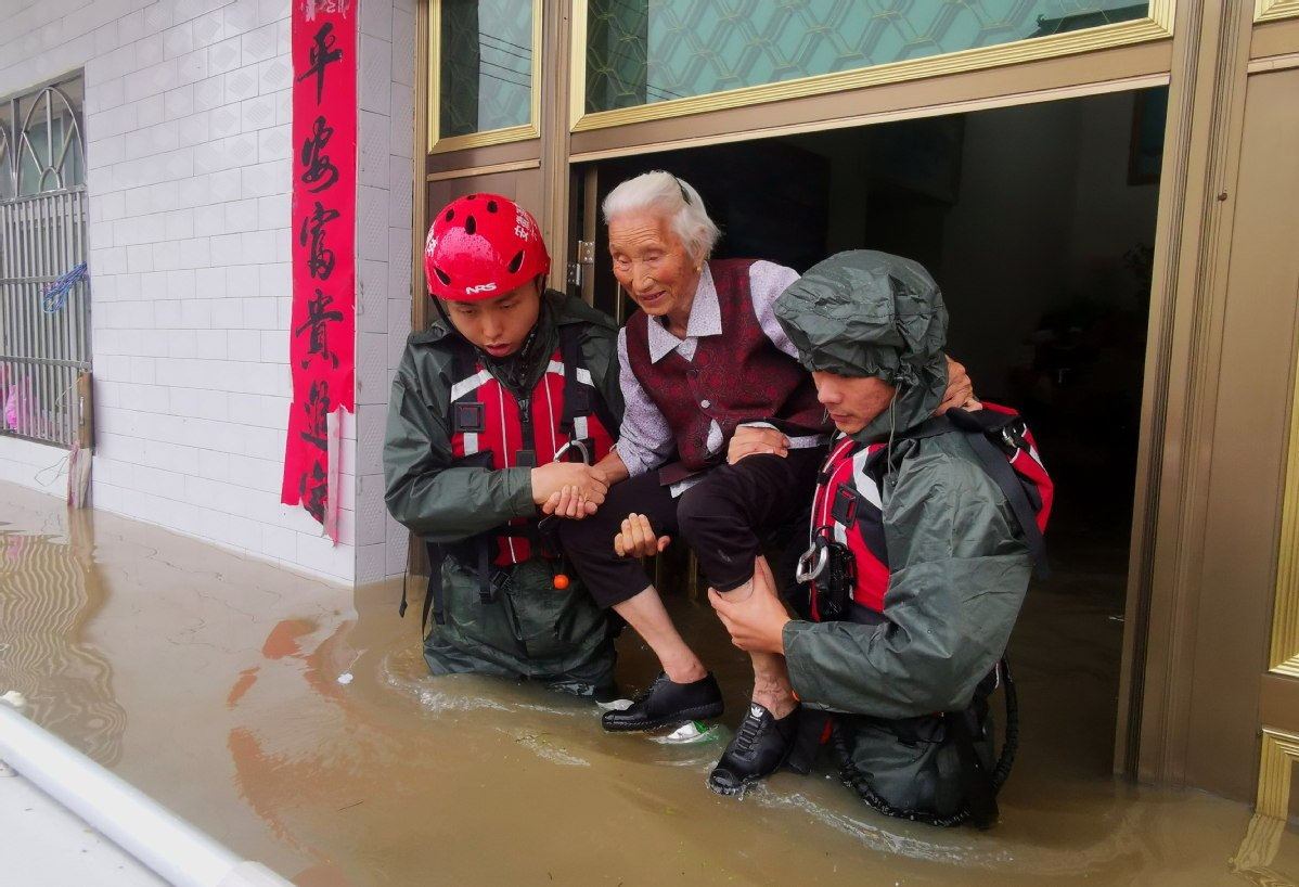 24m Chinese affected by floods in July