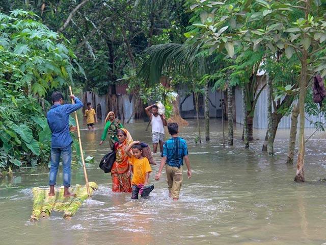 bangladesh-floods-2017-mobile.jpg