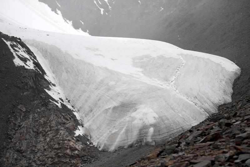 Glacial environment improves in Xinjiang
