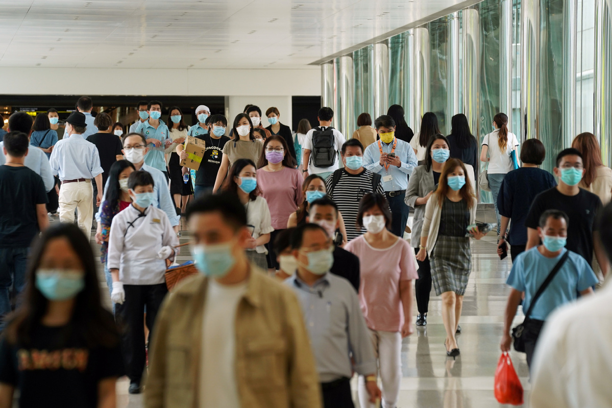 HK further tightens anti-epidemic measures with mandatory mask-wearing in public