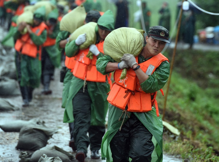 China steps up flood control in Yangtze River