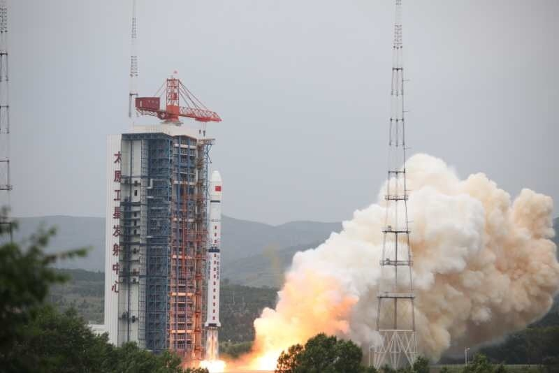 China receives data from newly-launched mapping satellite