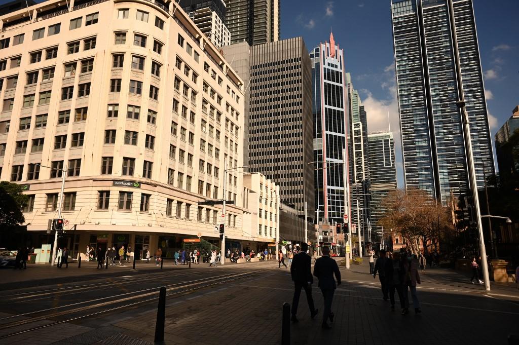 Australia warns economy to shrink record 7% in Q2