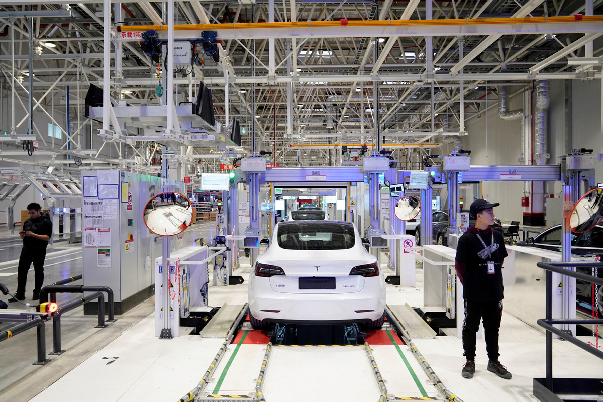 Tesla to hire designers, plant workers for Shanghai operations
