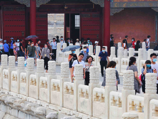 Palace Museum expands admissions for culture-starved visitors