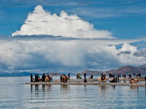 Scientists obtain lake sediment core on Qinghai-Tibet Plateau for environmental study