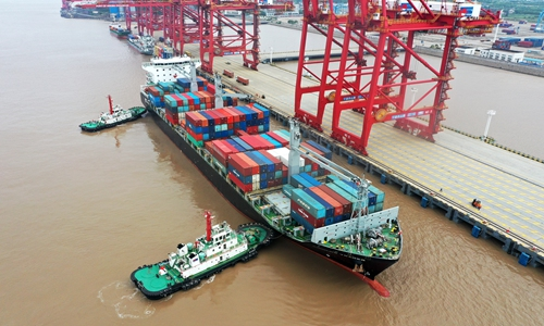 China's goods, services trade surplus tops 243 bln yuan
